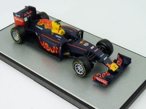 Red Bull RB 12