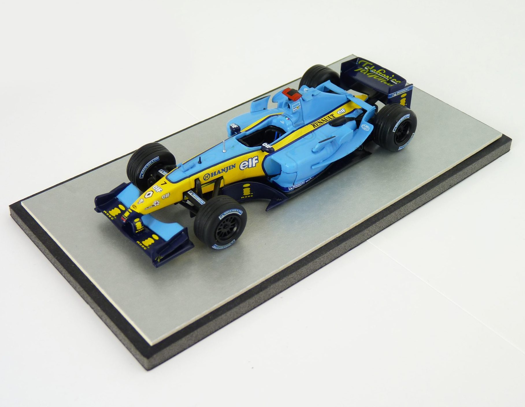 2004 Jarno Trulli Renault R24 - F1 Car Collection